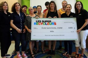 Presentation of the cheque to École Saint-Émile on September 26, 2017