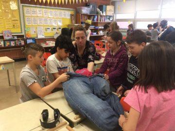 École Gérin-Lajoie, enseignante et élèves de 3e année lors de l'atelier des Super Recycleurs